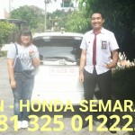 foto-penyerahan-unit-1-sales-marketing-mobil-dealer-honda-semarang-alvin