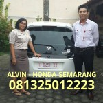 foto-penyerahan-unit-14-sales-marketing-mobil-dealer-honda-semarang-alvin