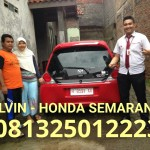 foto-penyerahan-unit-17-sales-marketing-mobil-dealer-honda-semarang-alvin