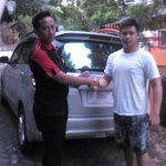 Foto Penyerahan Unit 2 Sales Marketing Dealer Mobil Suzuki Pati Ryan