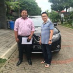 Foto Penyerahan Unit 2 Sales Marketing Mobil Dealer Nissan Surabaya Dodi Dwi