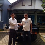 Foto Penyerahan Unit 3 Sales Marketing Dealer Mobil Suzuki Pati Ryan