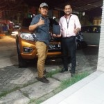 Foto Penyerahan Unit 3 Sales Marketing Mobil Dealer Nissan Ardy