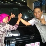 Foto Penyerahan Unit 3 Sales Marketing Mobil Dealer Suzuki Kudus Dimas Bustanul
