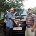 Foto Penyerahan Unit 4 Sales Marketing Mobil Dealer Suzuki Lamongan Nanang