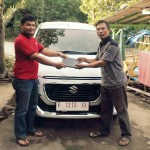 Foto Penyerahan Unit 4 Sales Marketing Mobil Dealer Suzuki Sukabumi Iim