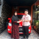 Foto Penyerahan Unit 5 Sales Marketing Dealer Mobil Daihatsu Cibitung Dea Pradita, S.Pd - - MobilNewCom
