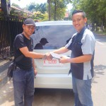 Foto Penyerahan Unit 5 Sales Marketing Dealer Mobil Suzuki Pati Ryan
