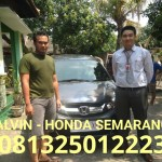foto-penyerahan-unit-6-sales-marketing-mobil-dealer-honda-semarang-alvin