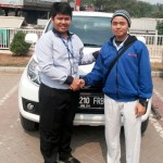 Foto Penyerahan Unit 8 Sales Marketing Dealer Mobil Daihatsu Cibitung Dea Pradita, S.Pd - - MobilNewCom
