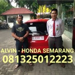 foto-penyerahan-unit-8-sales-marketing-mobil-dealer-honda-semarang-alvin