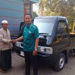 Foto Penyerahan Unit 9 Sales Marketing Dealer Mobil Suzuki Pati Ryan