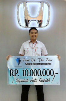 sales-marketing-mobil-dealer-honda-semarang-alvin