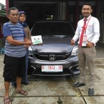 Foto Penyerahan Unit 1 Sales Marketing Mobil Dealer Honda Purwokerto Choky