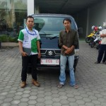 Foto Penyerahan Unit 1 Sales Marketing Mobil Dealer Suzuki Indramayu Saeful Anwar