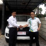 Foto Penyerahan Unit 11 Sales Marketing Mobil Dealer Daihatsu Pati Arif