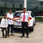Foto Penyerahan Unit 13 Sales Marketing Mobil Dealer Honda Kuningan Eko