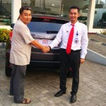 Foto Penyerahan Unit 14 Sales Marketing Mobil Dealer Honda Kuningan Eko