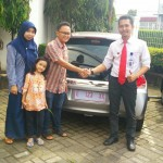 Foto Penyerahan Unit 15 Sales Marketing Mobil Dealer Honda Kuningan Eko