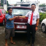 Foto Penyerahan Unit 2 Sales Marketing Mobil Dealer Honda Kuningan Eko