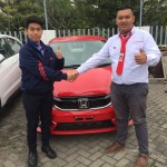 Foto Penyerahan Unit 3 Sales Marketing Mobil Dealer Honda Sidoarjo Handoyo