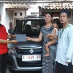 Foto Penyerahan Unit 3 Sales Marketing Mobil Dealer Suzuki Indramayu Saeful Anwar