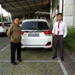 Foto Penyerahan Unit 5 Sales Marketing Mobil Honda Gresik Bayu Krisdianto