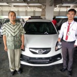 Foto Penyerahan Unit 6 Sales Marketing Mobil Honda Gresik Bayu Krisdianto