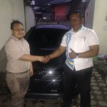 Foto Penyerahan Unit 7 Sales Marketing Mobil Dealer Daihatsu Iman