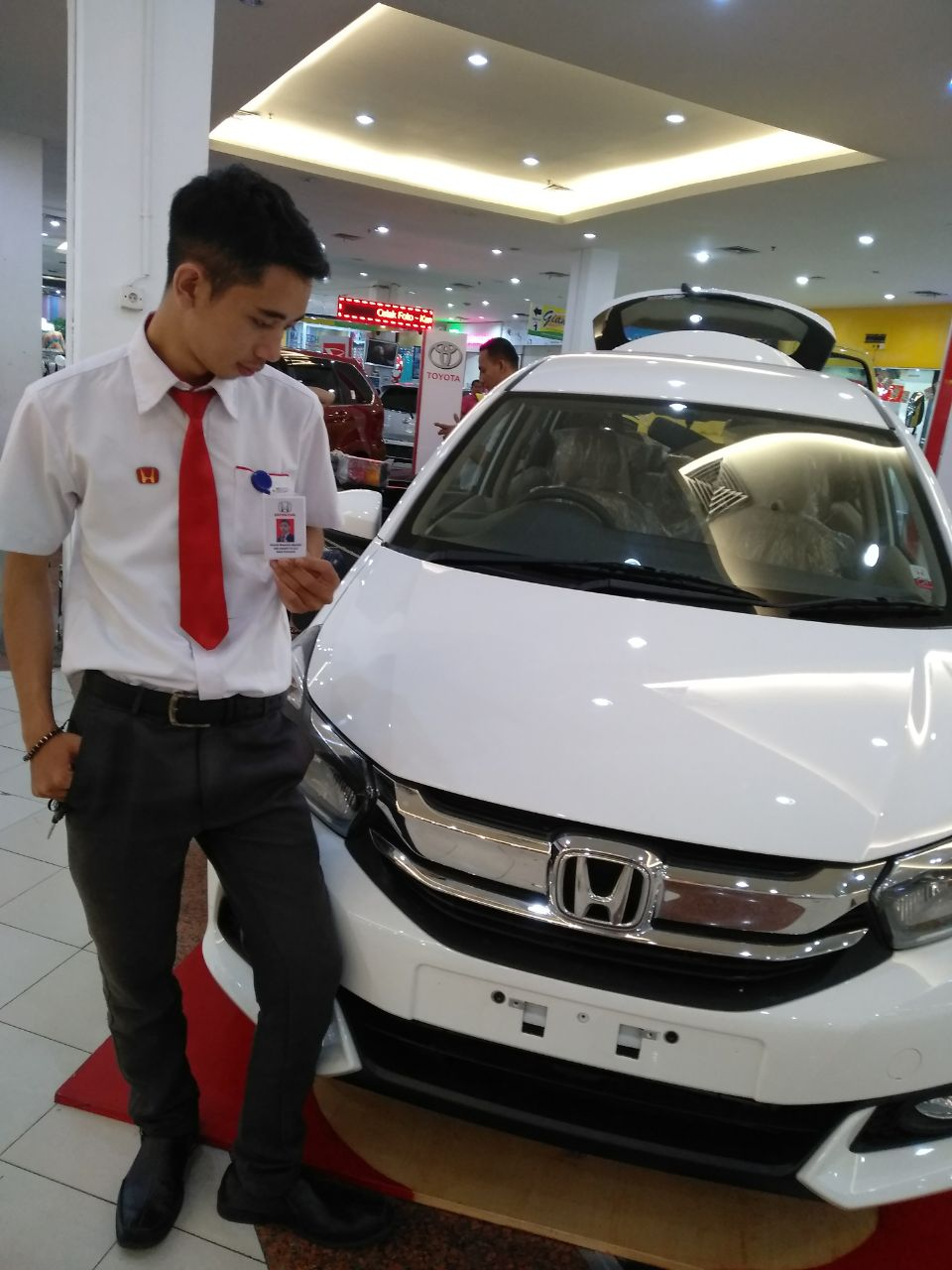Sales Marketing Mobil Honda Aji