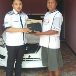 Foto Penyerahan Unit 1 Sales Marketing Mobil Datsun By Adit