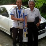Foto Penyerahan Unit 1 Sales Marketing Mobil Dealer Datsun Mas Yakin