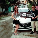 Foto Penyerahan Unit 1 Sales Marketing Mobil Dealer Mazda Medan Chandra Putra