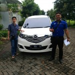 Foto Penyerahan Unit 1 Sales Marketing Mobil Mazda Jember Veny