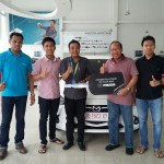 Foto Penyerahan Unit 18 Sales Marketing Mobil Dealer Mazda Makassar Syahrir