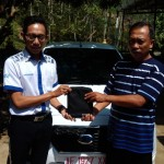 Foto Penyerahan Unit 2 Sales Marketing Datsun Arya