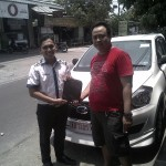 Foto Penyerahan Unit 2 Sales Marketing Mobil Dealer Datsun Karanganyar Mekie Muktafi