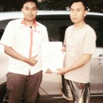Foto Penyerahan Unit 2 Sales Marketing Mobil Dealer Toyota Pondok Indah Rozy