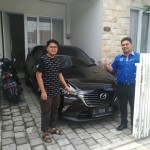 Foto Penyerahan Unit 2 Sales Marketing Mobil Mazda Jember Veny