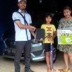 foto-penyerahan-unit-3-sales-marketing-mobil-datsun-mas-yakin
