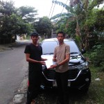 Foto Penyerahan Unit 3 Sales Marketing Mobil Dealer Toyota Adrian