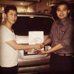 Foto Penyerahan Unit 3 Sales Marketing Mobil Dealer Toyota Pondok Indah Rozy