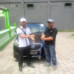 foto-penyerahan-unit-4-sales-marketing-mobil-datsun-mas-yakin