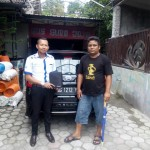 Foto Penyerahan Unit 4 Sales Marketing Mobil Dealer Datsun Kediri Sandi