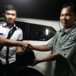 Foto Penyerahan Unit 4 Sales Marketing Mobil Dealer Datsun Surabaya Dio