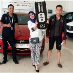 Foto Penyerahan Unit 5 Sales Marketing Mobil Dealer Mazda Makassar Syahrir