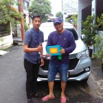 Foto Penyerahan Unit 5 Sales Marketing Mobil Dealer Toyota Adrian