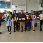 Foto Penyerahan Unit 6 Sales Marketing Mobil Dealer Mazda Makassar Syahrir