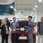 Foto Penyerahan Unit 7 Sales Marketing Mobil Dealer Mazda Makassar Syahrir