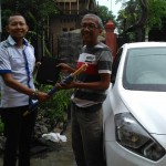 Foto Penyerahan Unit 8 Sales Marketing Mobil Dealer Datsun Kediri Sandi